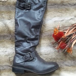 SALE! American Eagle Outfitters Knee High Sz 6